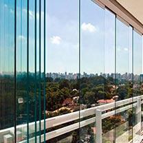 Sacada de Vidro Retrátil em São Paulo